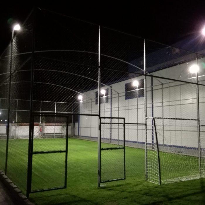 Teren de mini-fotbal cu acoperire naturala