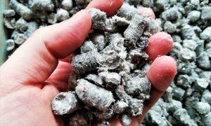 Mulch granulat din hârtie reciclată